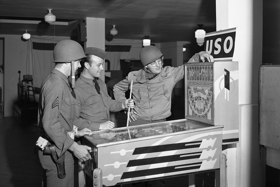 U.S.O. Santa Barbara, 1942